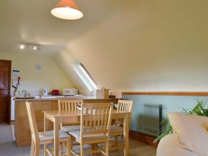 A restaurant or other place to eat at North Farm Mews