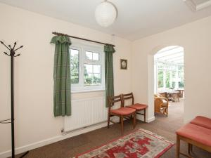 A seating area at Fir Tree Cottage