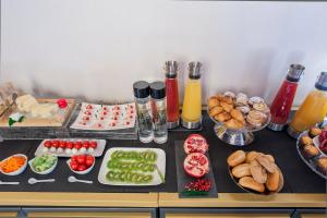 Breakfast options available to guests at Argentina Residenza