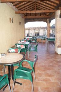 A restaurant or other place to eat at Hotel Rural Casa El Cura