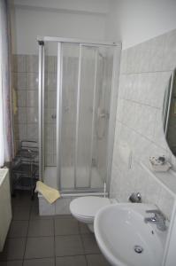 Ein Badezimmer in der Unterkunft Hotel Eichenhof