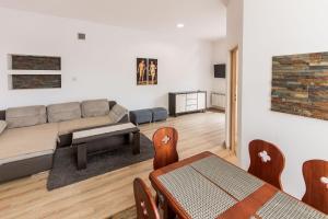 A seating area at Apartamenty Eden