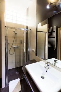 A bathroom at Apartamenty Eden
