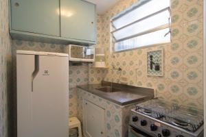 A kitchen or kitchenette at Flat 407
