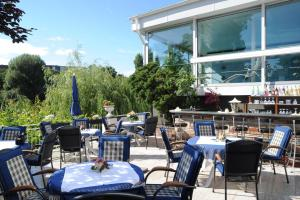 A restaurant or other place to eat at Ringhotel Seehof