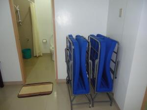 A bathroom at Rullan Apartelle