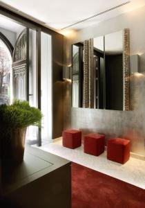 The lobby or reception area at Hotel Murmuri Barcelona