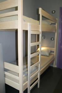 A bunk bed or bunk beds in a room at Hostel Chic