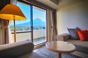 A seating area at Hotel Regina Kawaguchiko