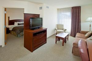 A television and/or entertainment center at Staybridge Suites Indianapolis Downtown-Convention Center