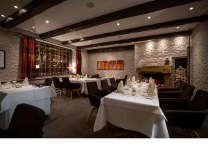 Ein Restaurant oder anderes Speiselokal in der Unterkunft Das Goldene Lamm Aalen