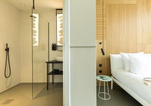 A bathroom at Conscious Hotel Westerpark
