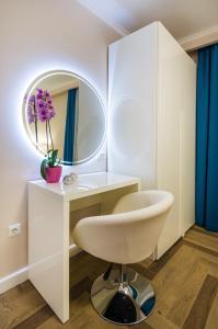 A bathroom at Luxury Apartment GOLDY