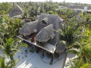 A bird's-eye view of Beach Guesthouse Holbox Apartments & Suites