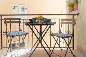 A balcony or terrace at Degrassi Square Studio