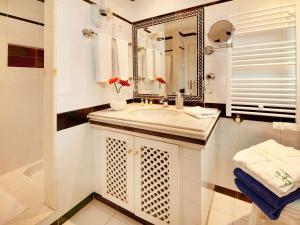 Ein Badezimmer in der Unterkunft Villa Esmeralda