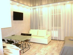 Телевизор и/или развлекательный центр в SutkiSpb Mozhaiskaya 29