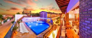 A view of the pool at Jeri Hotel or nearby