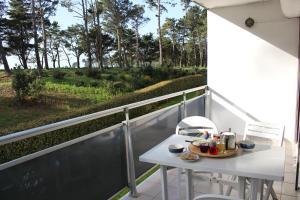 A balcony or terrace at Saint Philibert à 2 pas de la mer