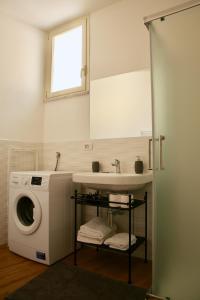 A bathroom at Andolfi 24 Rooms