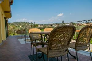A balcony or terrace at Alle Vignole