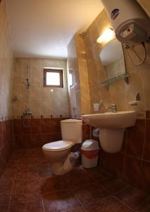Ein Badezimmer in der Unterkunft Aurora Guest House