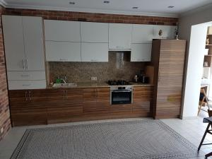 A kitchen or kitchenette at Loft by the sea