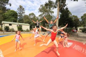 Children staying at Crystal Brook Tourist Park
