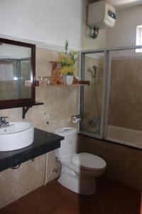 A bathroom at Maison Vu Tri Vien