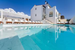 The swimming pool at or close to Apartments Zadar Superior