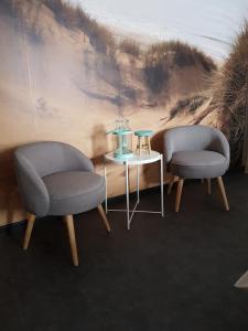A seating area at 't Zandmanneke