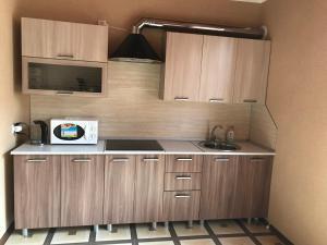 Кухня или мини-кухня в Guest House Etoka