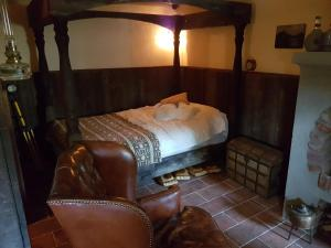 A bed or beds in a room at Hobbit Stockholm