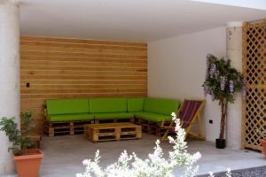 A seating area at Casa Bonita - El Tunco
