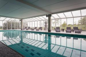 The swimming pool at or close to Strand Spa & Conference Hotel