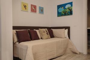 מיטה או מיטות בחדר ב-CHEZROMYK the Kosher B&B