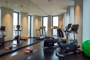 Das Fitnesscenter und/oder die Fitnesseinrichtungen in der Unterkunft Hyperion Hotel Hamburg