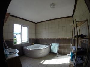 Salle de bains dans l'établissement Villa des Bananiers