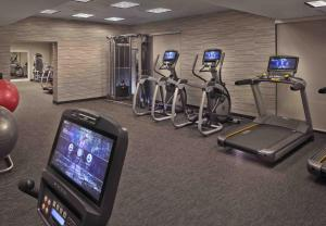 The fitness center and/or fitness facilities at Courtyard by Marriott Philadelphia City Avenue