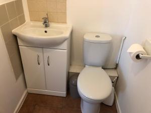 A bathroom at Chad Hill Hotel