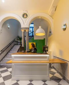 The lobby or reception area at Oasis Backpackers' Palace Seville