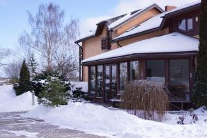 Guest House Villa Dole during the winter