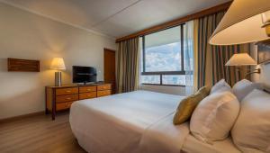 Cama ou camas em um quarto em Maksoud Plaza Hotel Distributed by Accorhotels