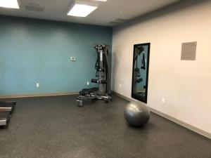 The fitness center and/or fitness facilities at Country Inn & Suites by Radisson, Page, AZ