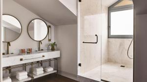 A bathroom at Gran Hotel Inglés