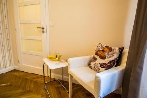 Ein Sitzbereich in der Unterkunft Vojtesska Apartment By Ruterra