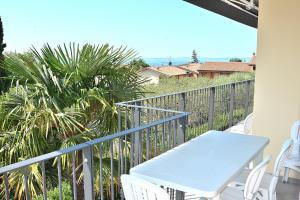 A balcony or terrace at Cà Gardesana