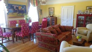 A seating area at Huntingfield House B&B