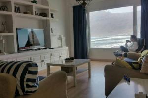 Ein Sitzbereich in der Unterkunft Playa de Caleta de Famara