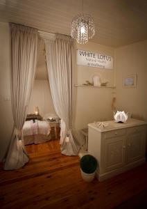 A bathroom at White Lotus Day Spa